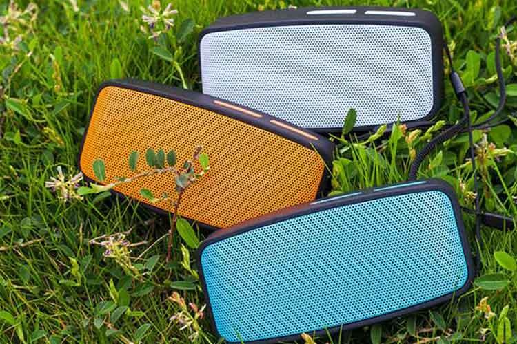 Mini Wireless Speaker with Lanyard